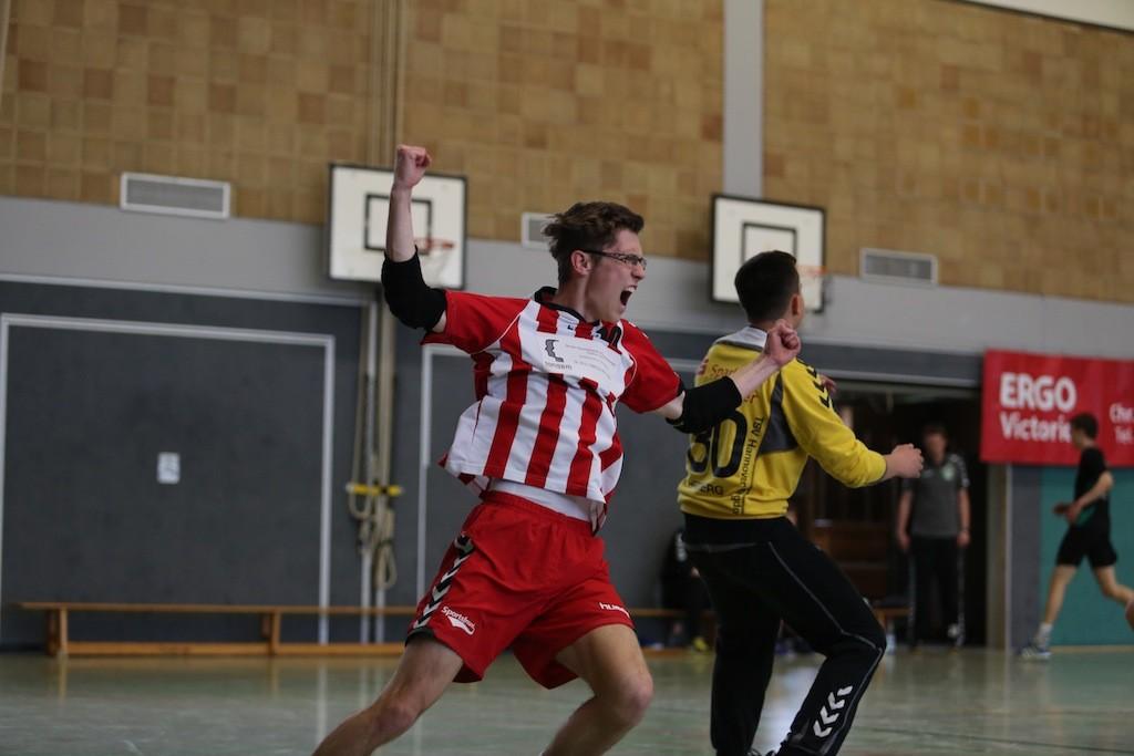 Dominic Gibbe in Siegerpose lässt den Emotionen freien lauf, die MJA des TKJ spielt kommende Saison erneut in der Landesliga