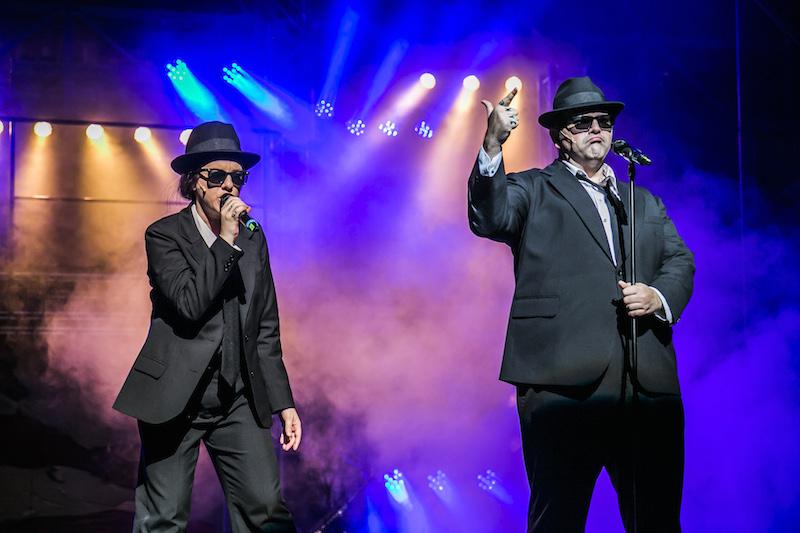 02_Blues Brothers_Judith Bloch (Elwood Blues), Alexander Prosek (Jake Blues)_Foto@JQuast
