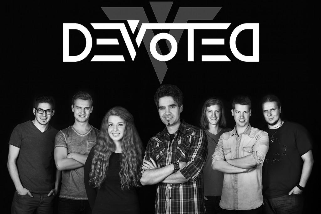Devoted_mit_Logo